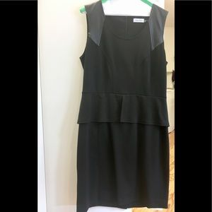 Classy Calvin Klein peplum waisted sheath dress 👗
